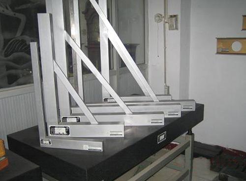 镁铝直角尺